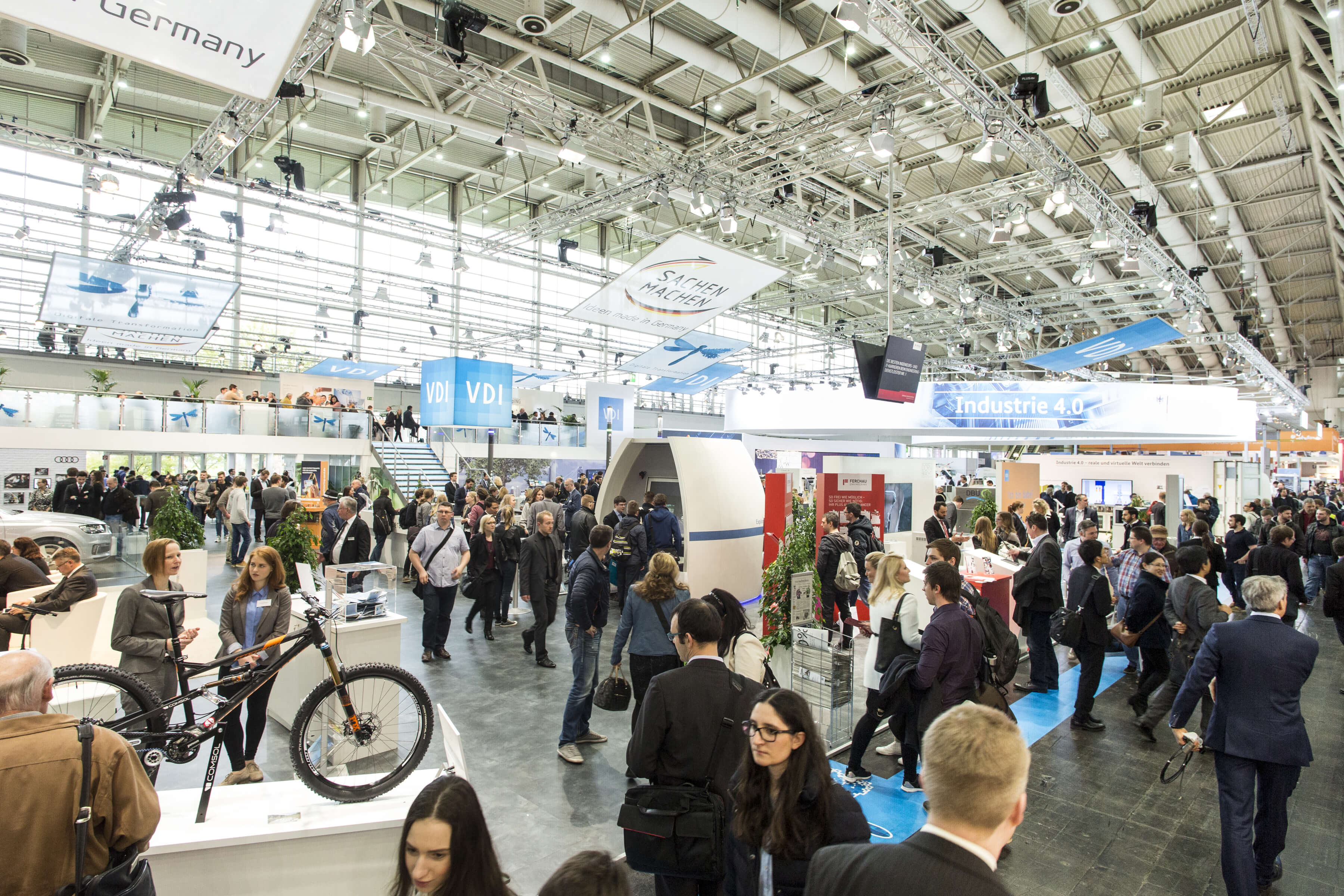HANNOVER MESSE holt Studenten zum Young Engineers Day