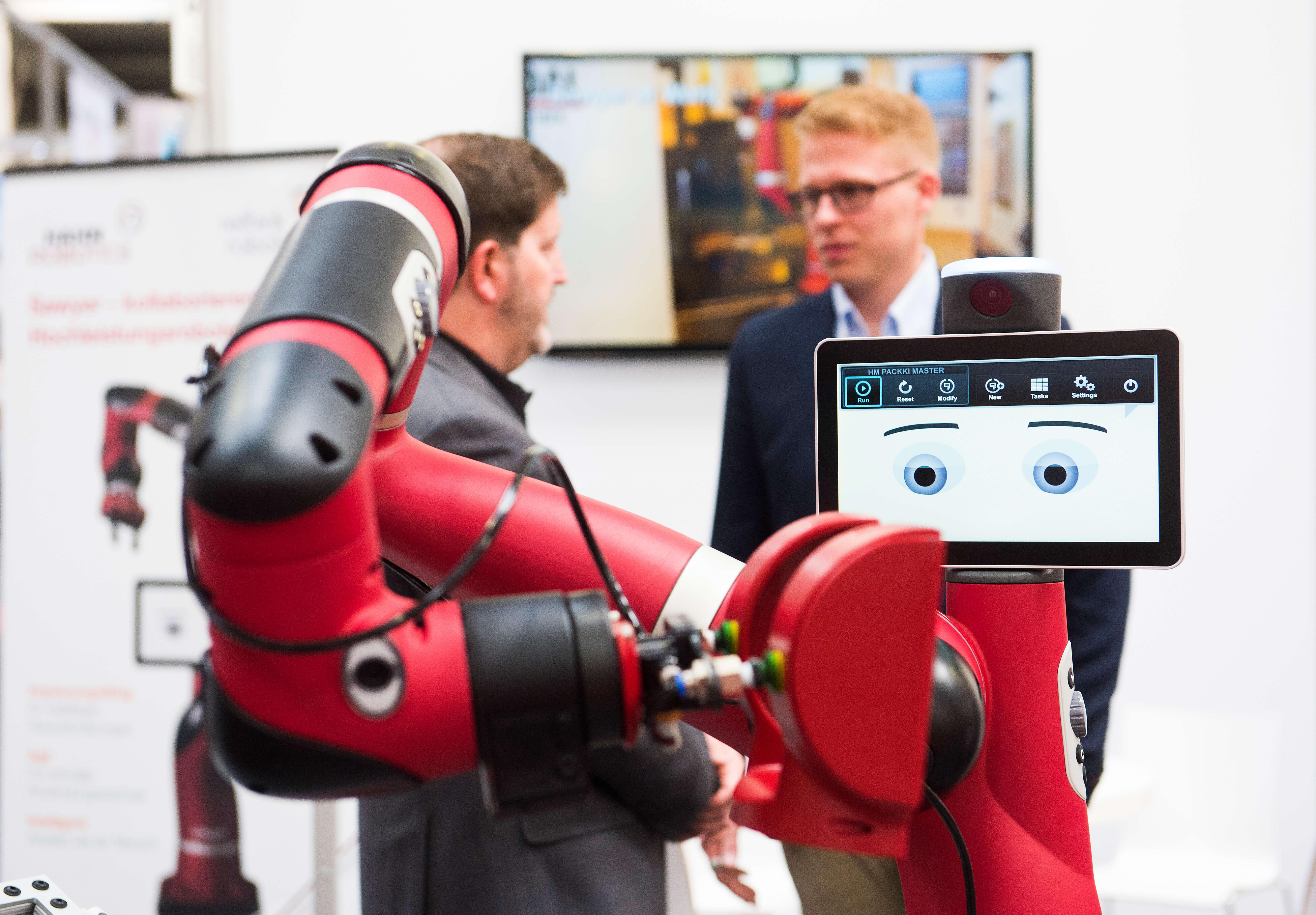 wenn der roboter vom roboter lernt maschinelles lernen auf der hannover messe. Black Bedroom Furniture Sets. Home Design Ideas